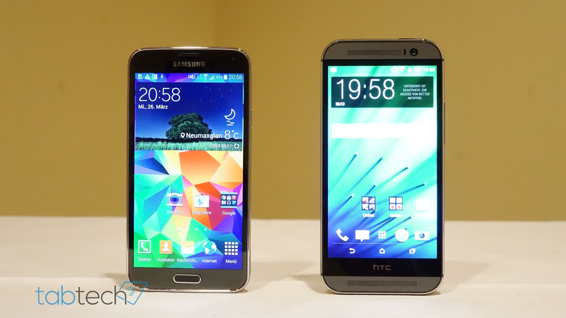 Samsung-Galaxy-S5-vs.-HTC-One-M8_Front