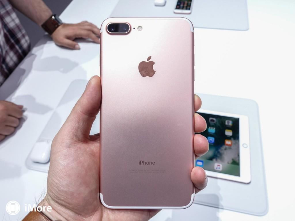 iphone-7-plus-rose-gold-back